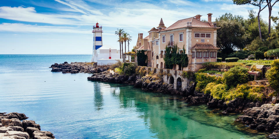 Santa Maria House and Lighthouse in Cascais