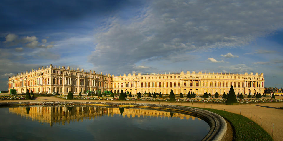 Panoramic of the Palace of Versaille and its gardens in Paris