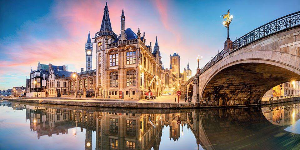 Medieval Cathedral and bridge over a channel in Ghent   Buendía Tours