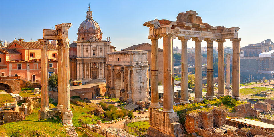 Discover the Roman Forum with Buendía tours Rome