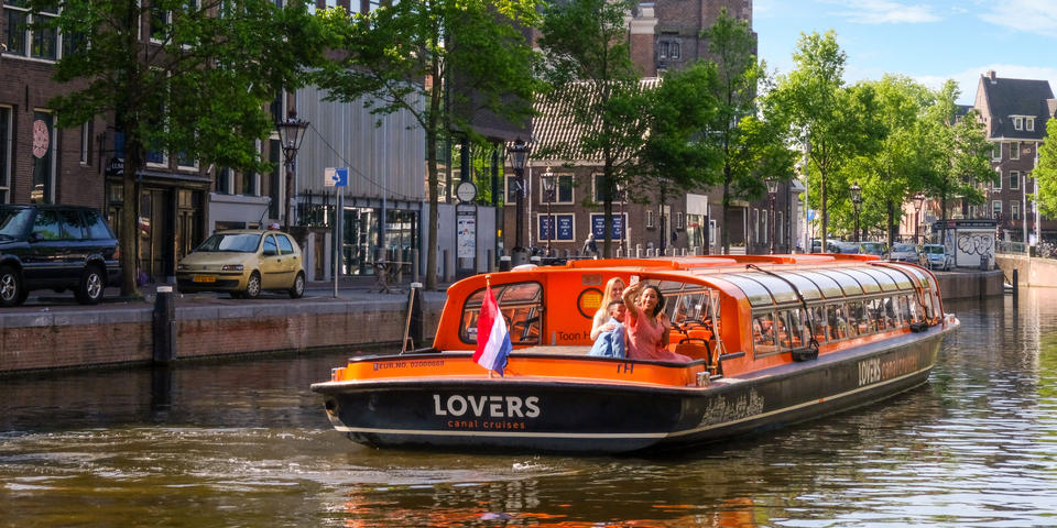 Canal Boat Ride, An unforgettable experience withBuendíaTours