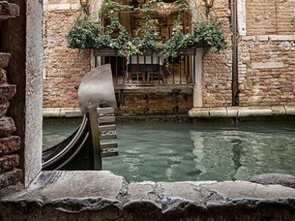 Góndola  en canal de Venecia - Free Tour Venecia Alternativa - Buendía Tours